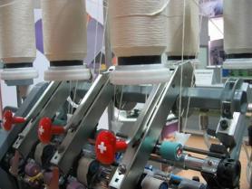赛络纺装置